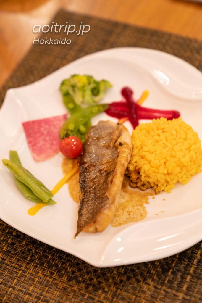 キロロ トリビュートポートフォリオホテル 北海道 ラウンジバーの食事