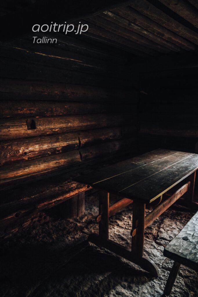 エストニア民族野外博物館(Estonian Open Air Museum)ダイニングテーブル