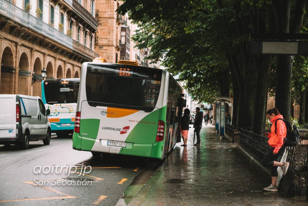 サンセバスティアン ギプスコア広場前のバス停