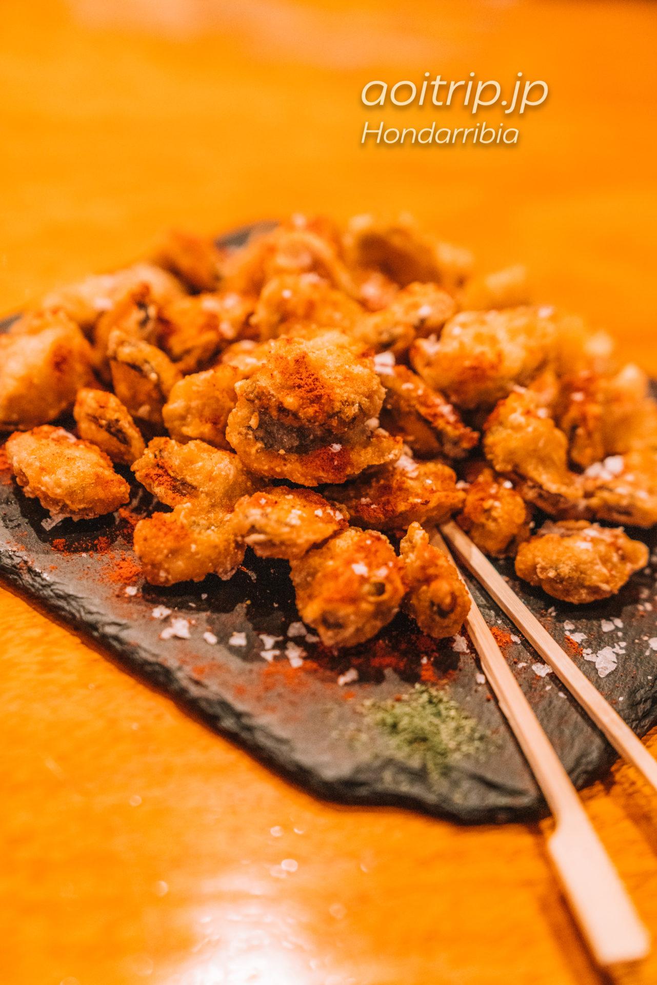 オンダリビアのレストランGastroteka Danontzat Mejillones en tempura con Pimentón de la vera y escama de sal