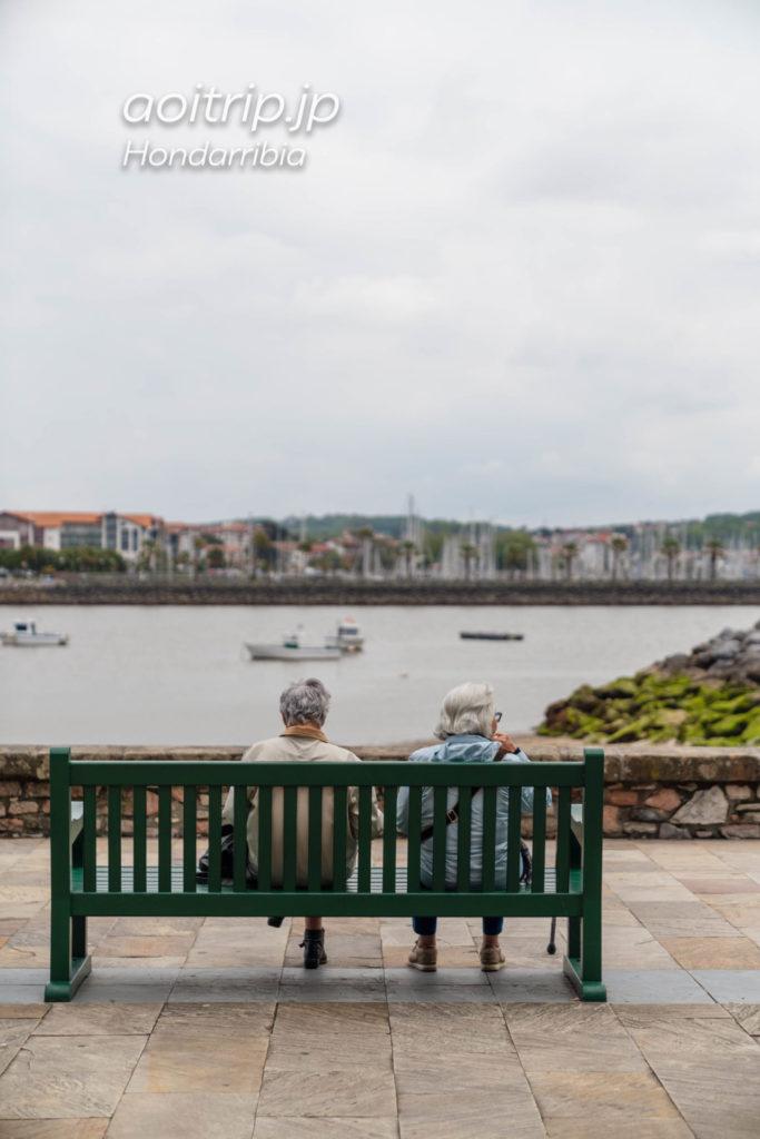 スペイン オンダリビアからフランス アンダイを望む
