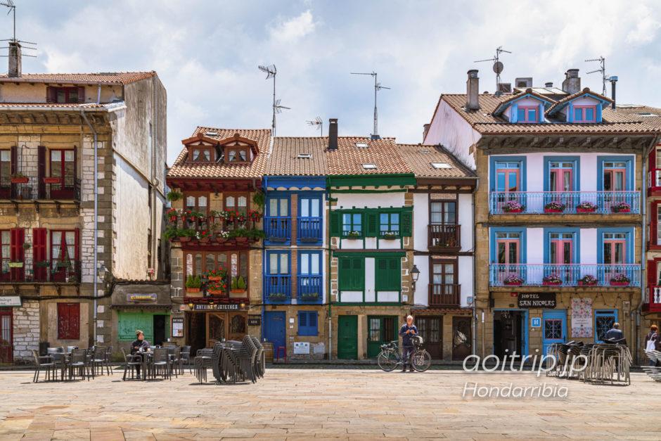 スペイン オンダリビアのカラフルな住宅