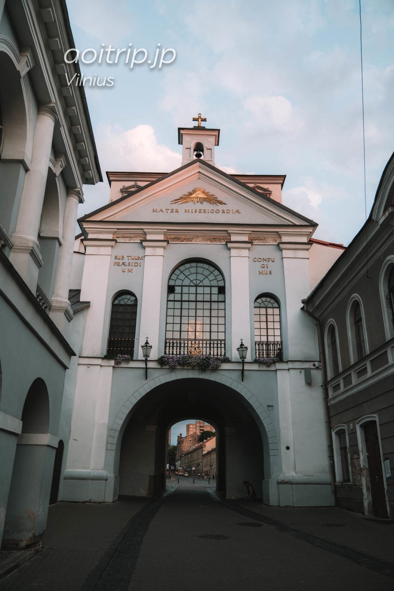 リトアニアのヴィリニュス 夜明けの門