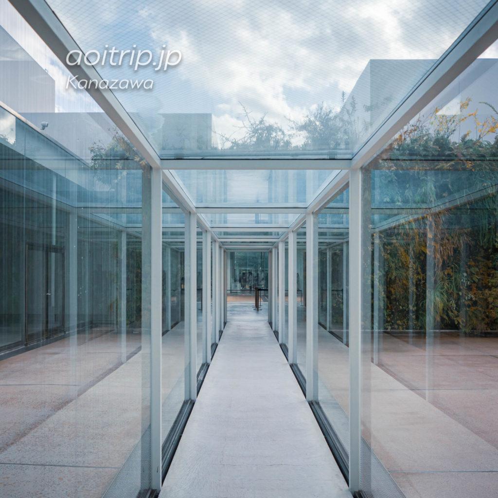 金沢21世紀美術館 21st Century Museum of Contemporary Art, Kanazawa 緑の橋 Green Bridge