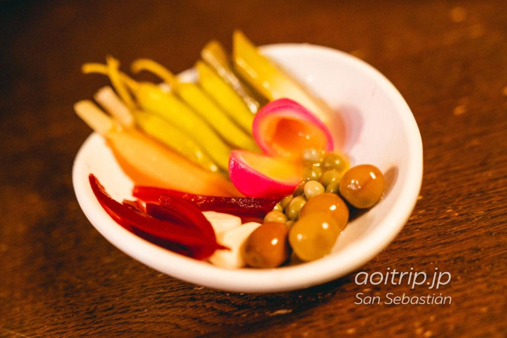 サンセバスティアンのバル A Fuego Negro 自家製ピクルス Home made pickles