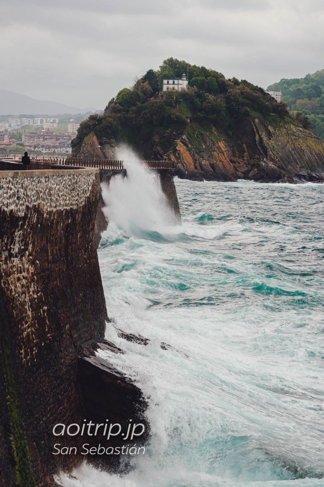 サンセバスティアン旧市街の岩壁
