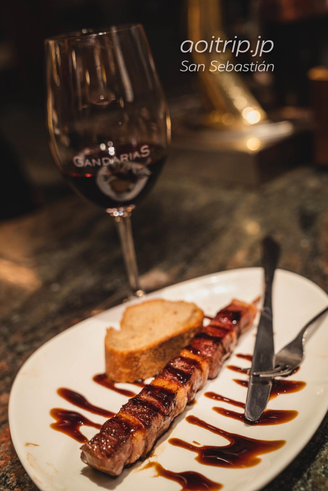 サンセバスティアンのバル Gandarias 鴨の串焼き Brocheta magret de pato