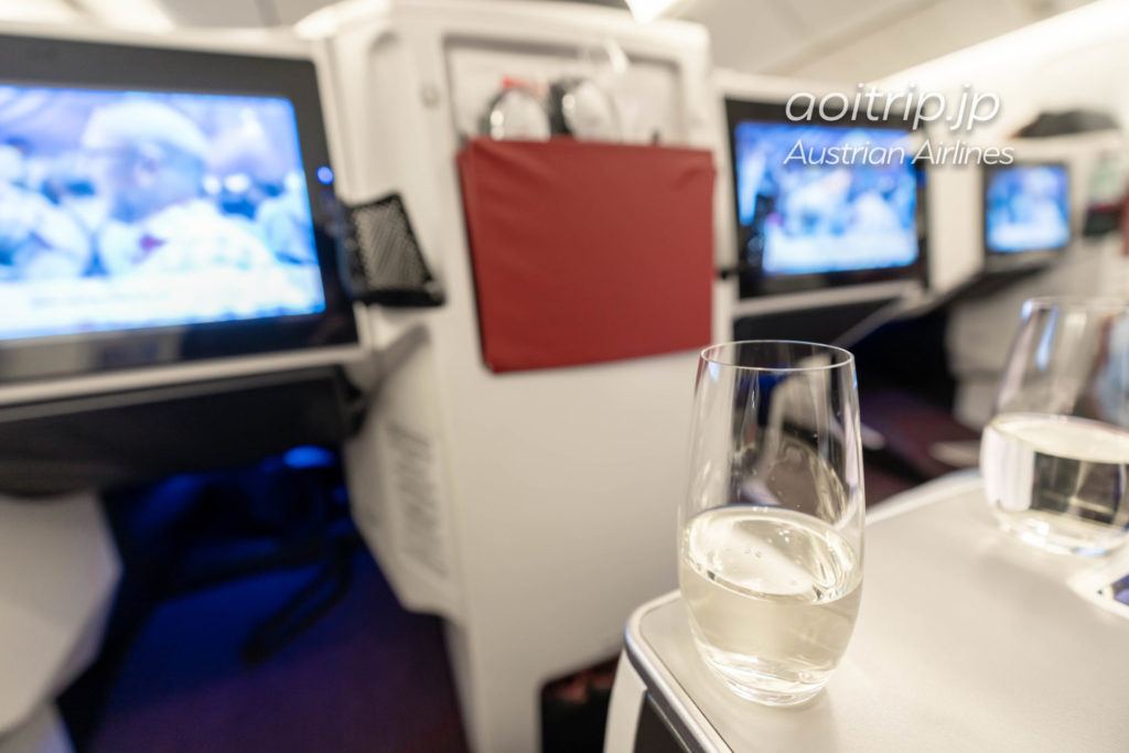 オーストリア航空OS51便 ビジネスクラス シャンパン