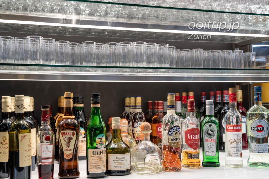 チューリッヒ国際空港 スイス航空のビジネスクラスラウンジ お酒