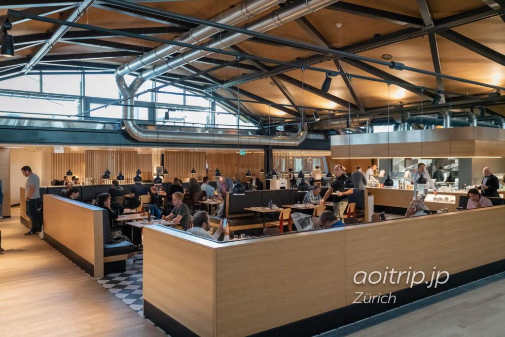 チューリッヒ国際空港 スイス航空のビジネスクラスラウンジ