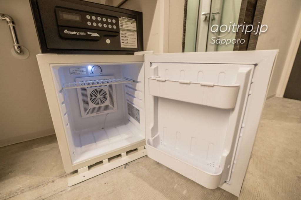 ホテル ポットマムの冷蔵庫とセキュリティボックス