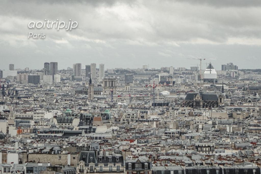 パリ モンマルトルから望むノートルダム大聖堂