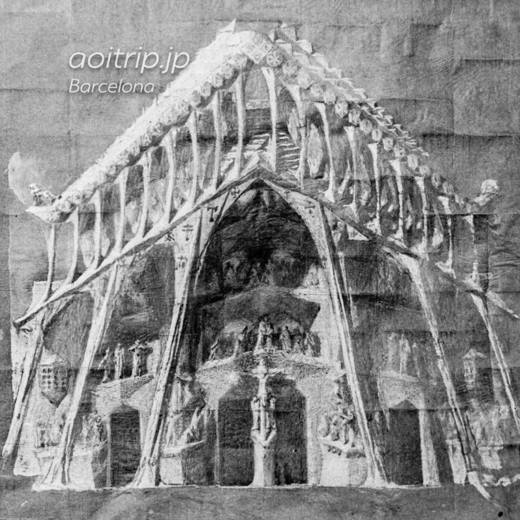 1917年 ガウディが描いた受難のファサードのデザイン