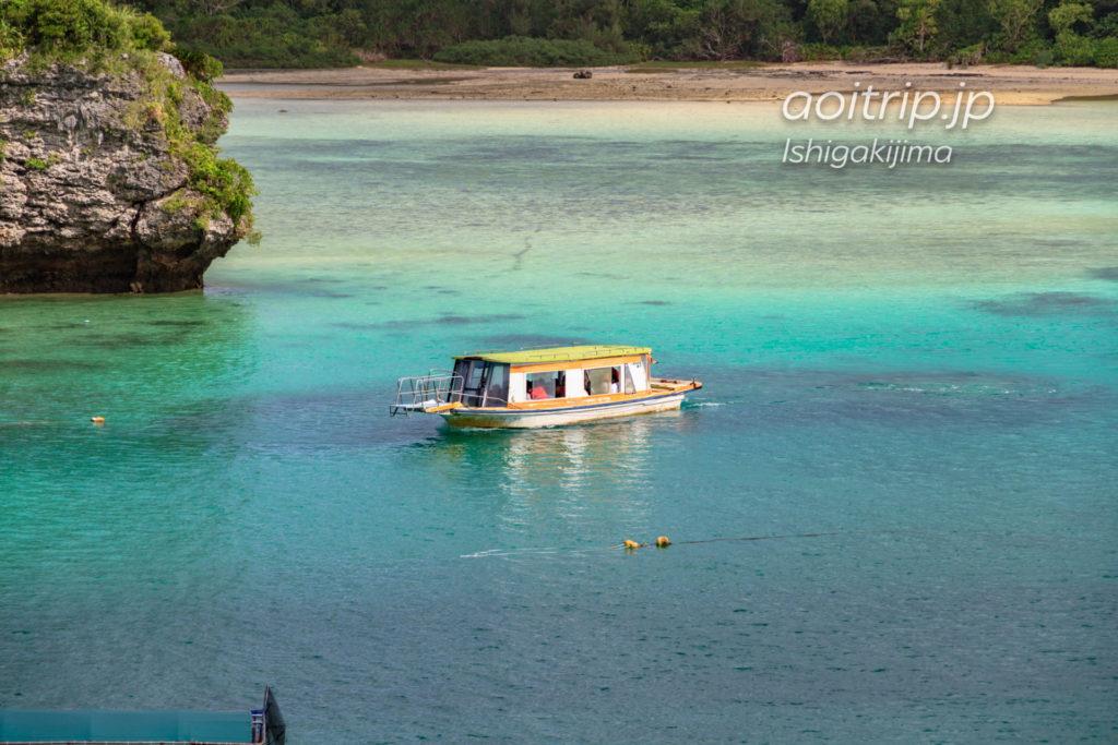 石垣島の川平湾 Kabira Bay, Ishigaki Island グラスボート