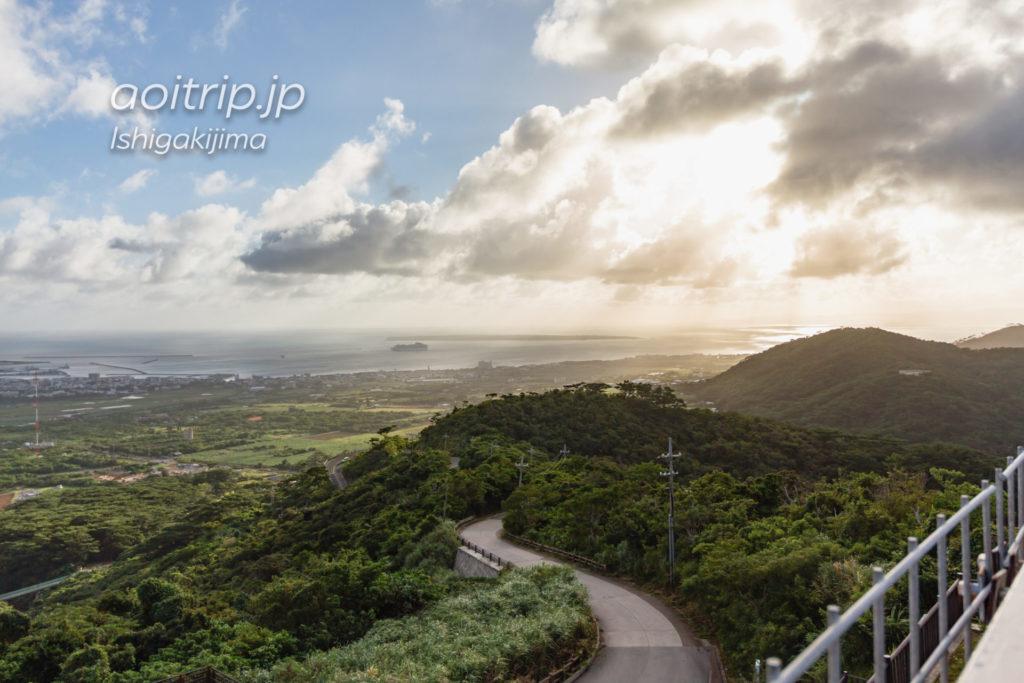 エメラルドの海を見る展望台 Emerald Green Sea Viewpoint
