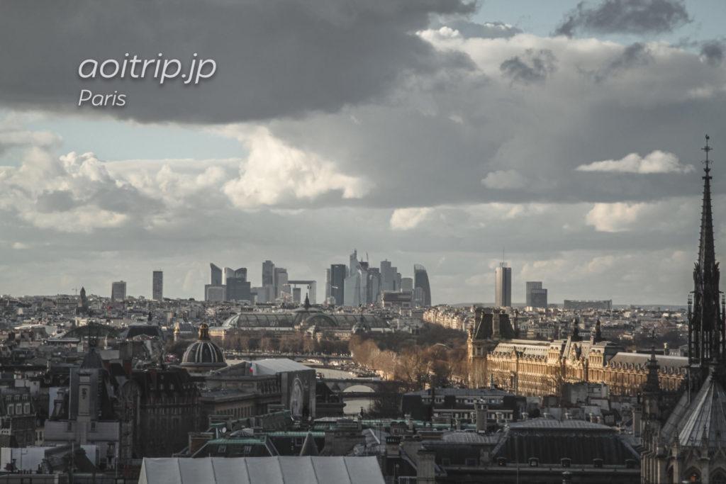 ノートルダム大聖堂(Cathédrale Notre-Dame de Paris)から望むパリ市内・ラ・デファンス
