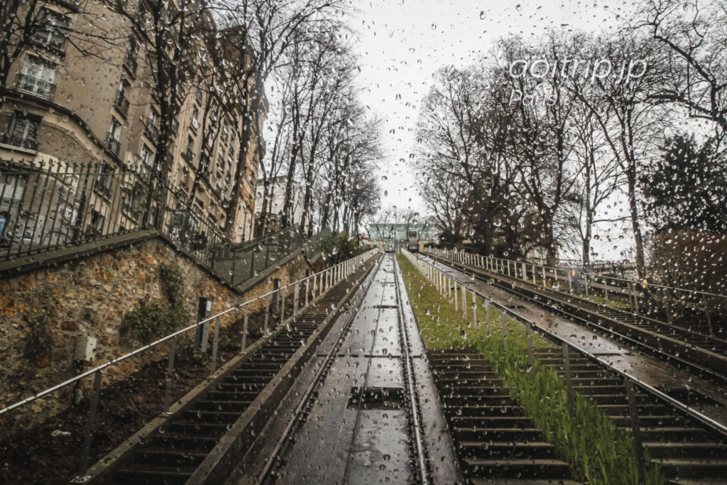 パリ モンマルトルのケーブルカー