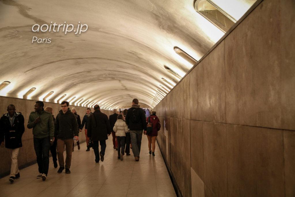 パリ・エトワール凱旋門の地下通路の先にチケット売り場がある