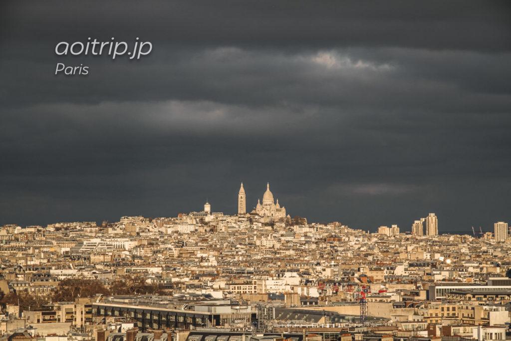 パリ・エトワール凱旋門からモンマルトルの丘・サクレクール寺院を望む