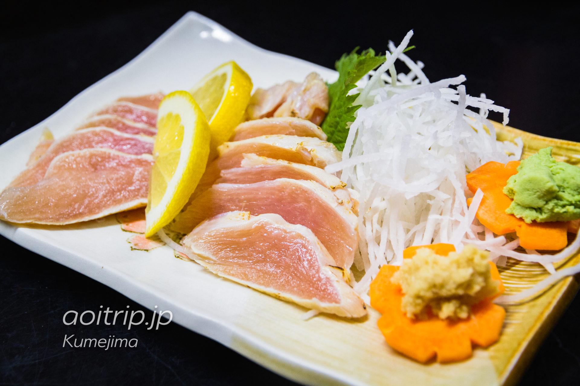 久米島の居酒屋「波路」 久米島鶏刺し
