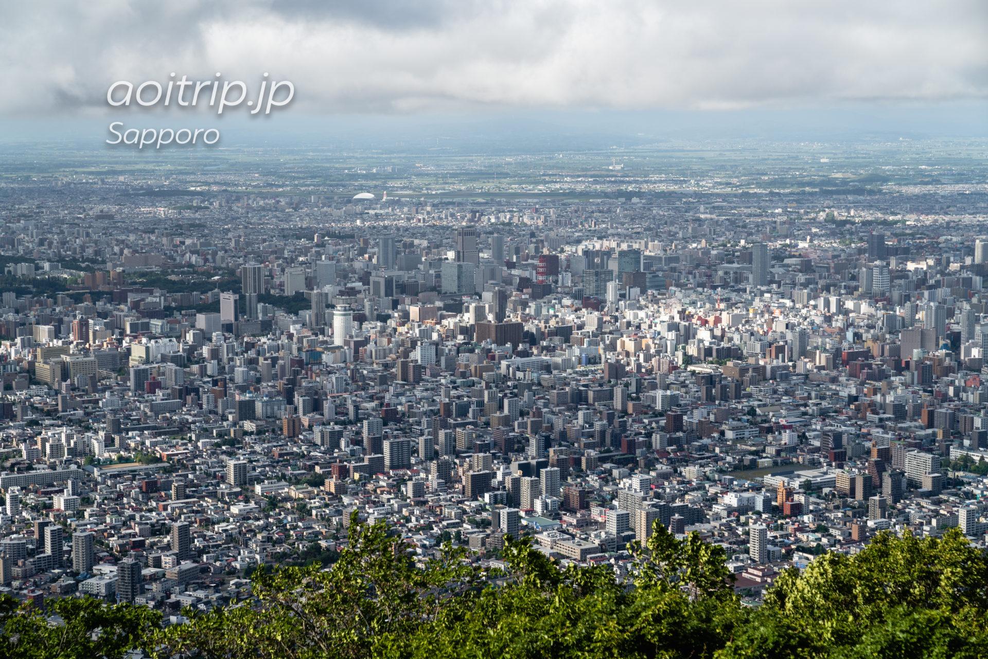 札幌を一望する藻岩山