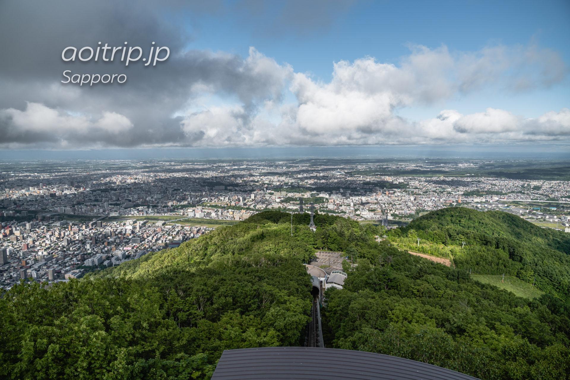 藻岩山展望台から望む札幌ドーム