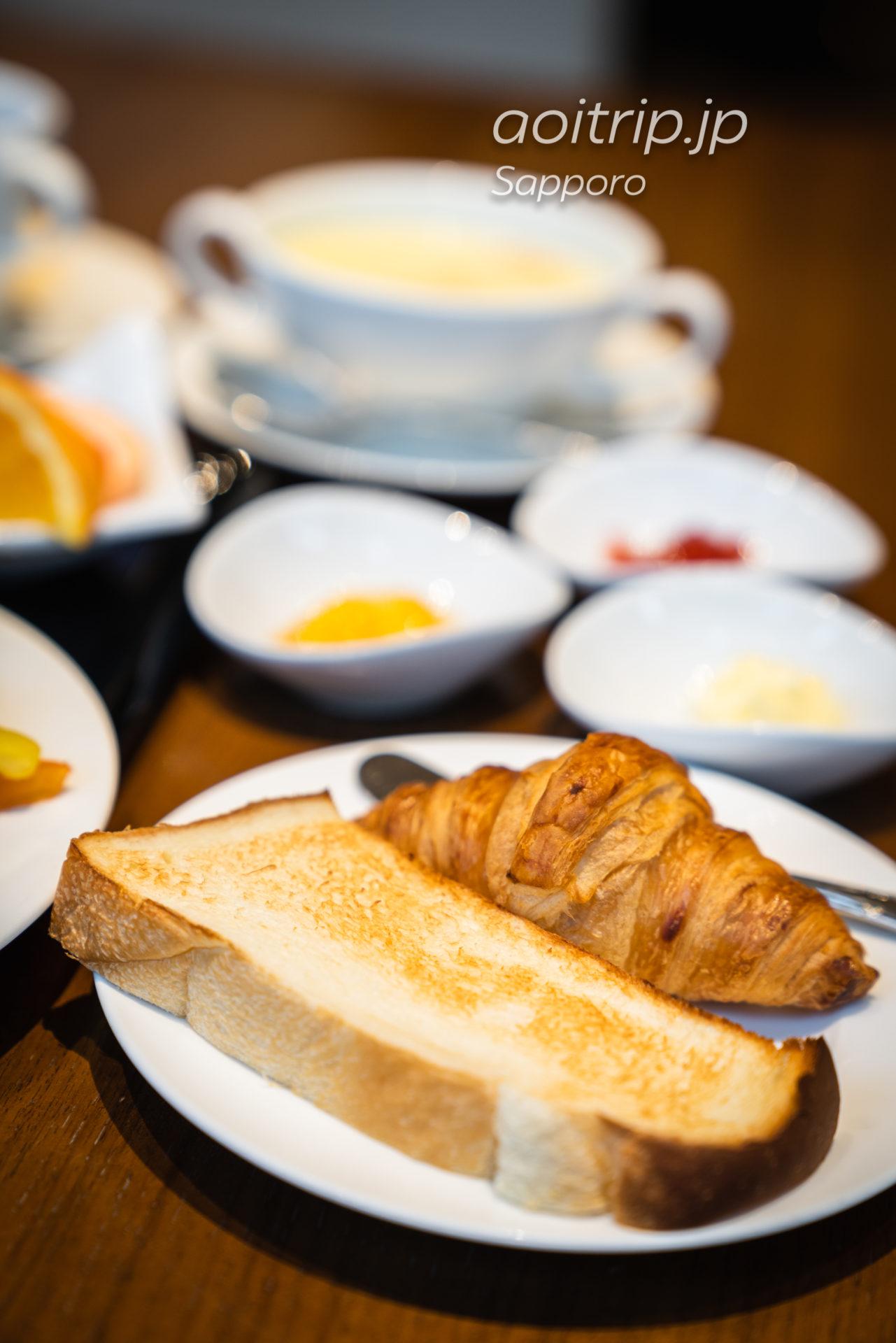 札幌ビューホテルのレストラン オードリーの朝食(洋食) 自家製米粉パン