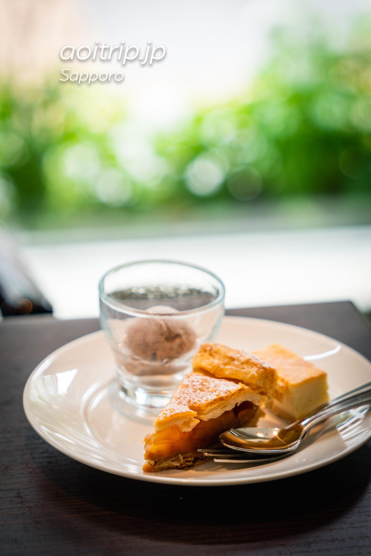 札幌グランドホテルの朝食 アップルパイ