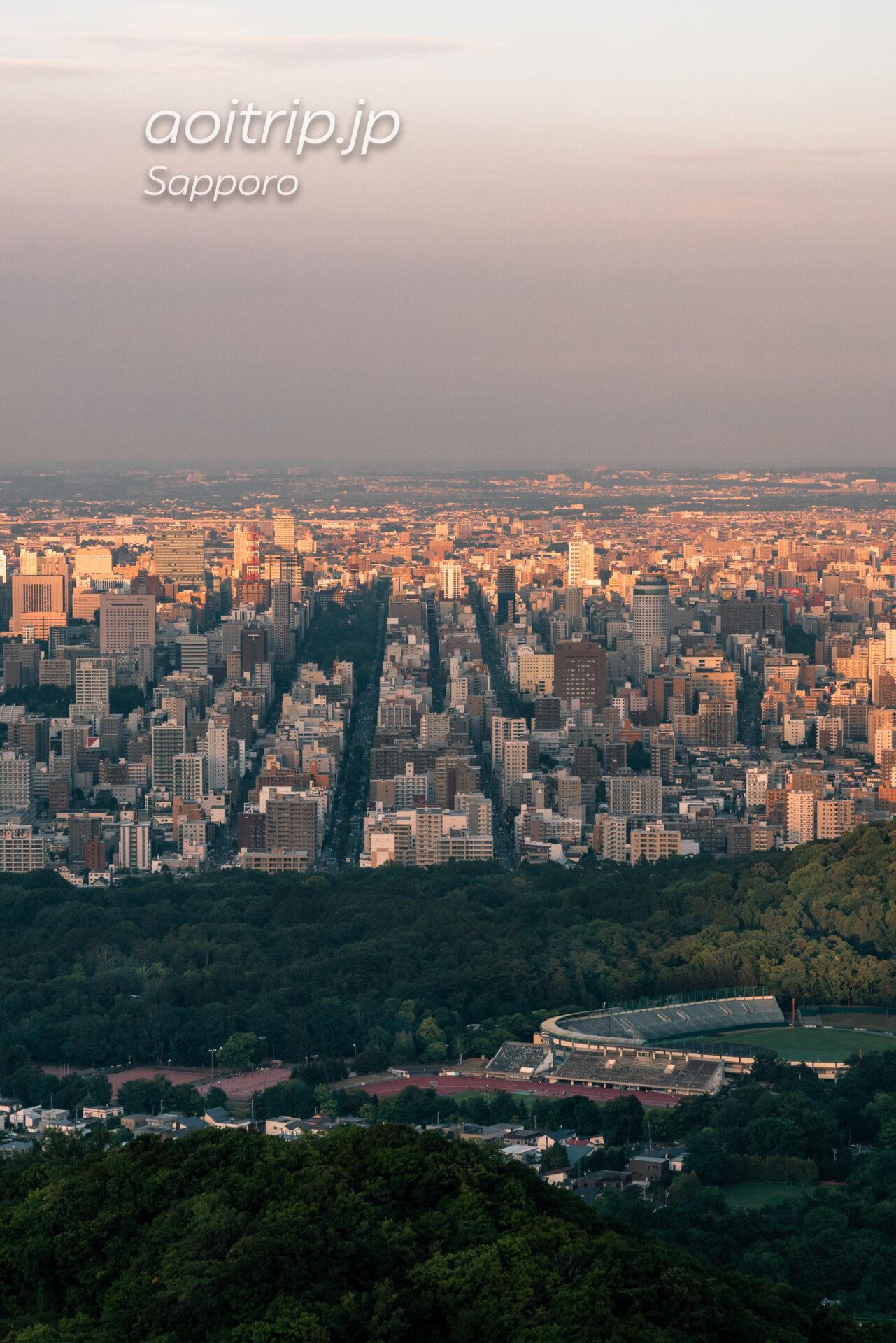 札幌 大倉山ジャンプ競技場から望む札幌の街並み・大通公園・さっぽろテレビ塔・すすきの