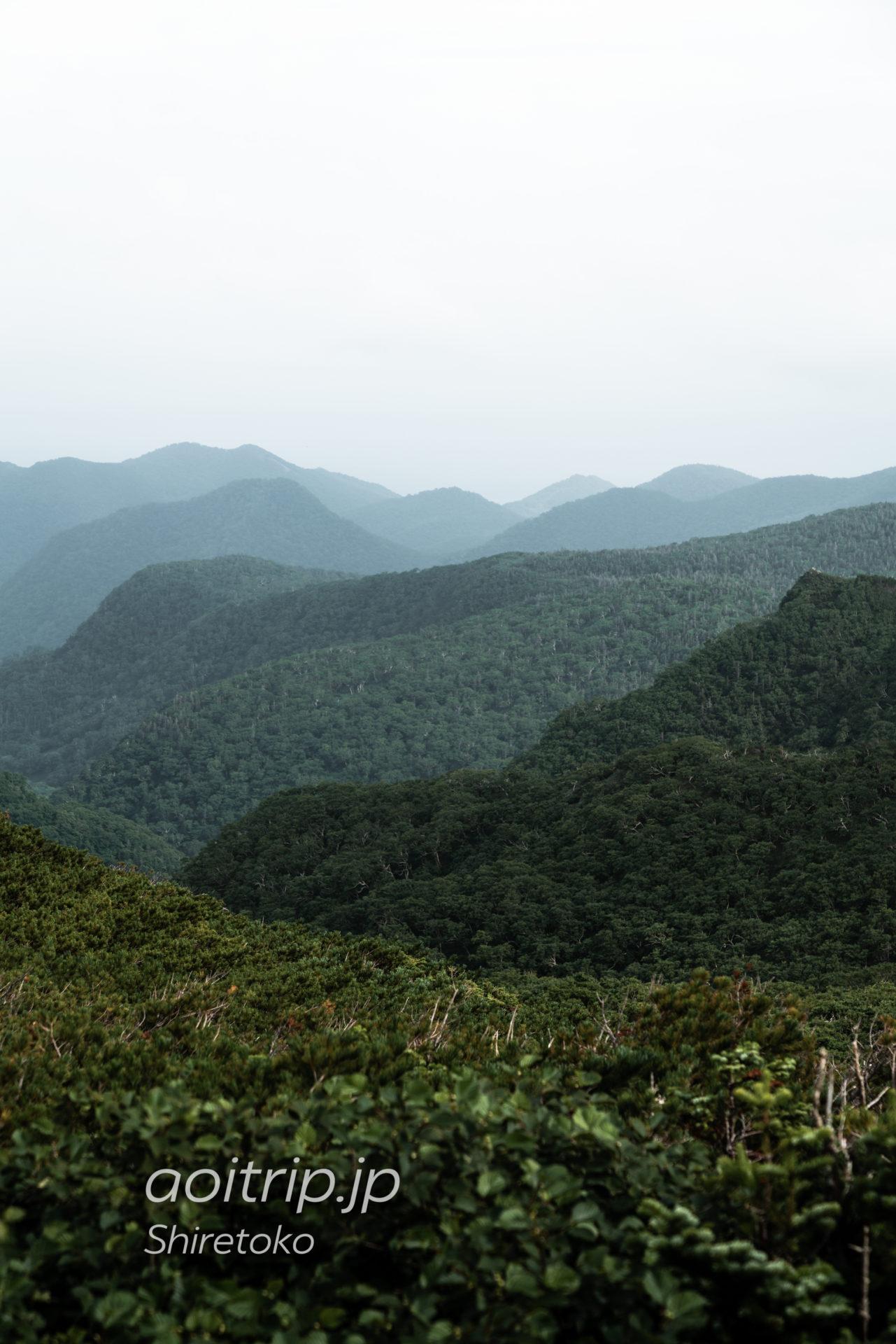 知床峠から国後島方面