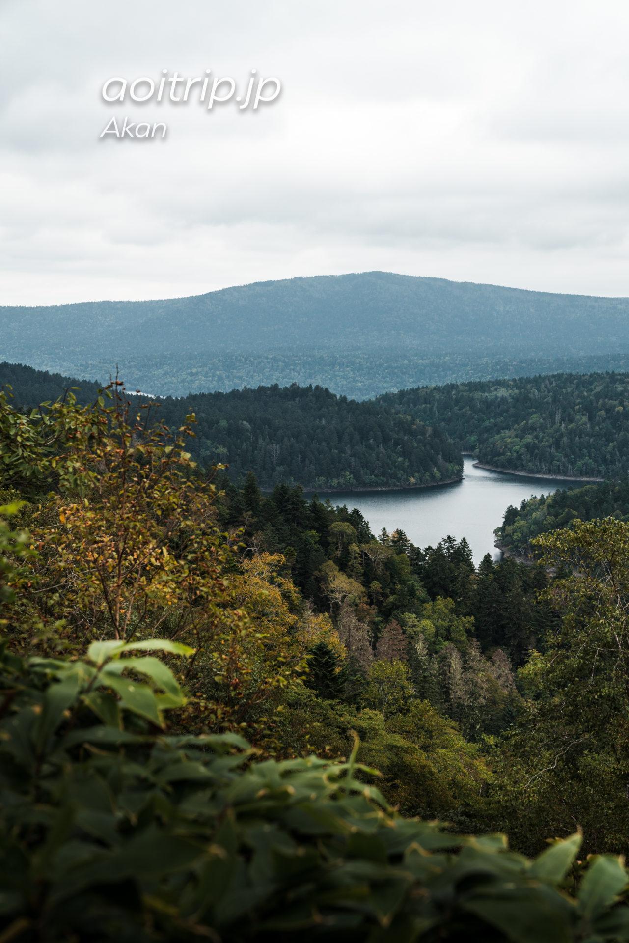 双湖台からパンケトーとペンケトーを望む(北海道)