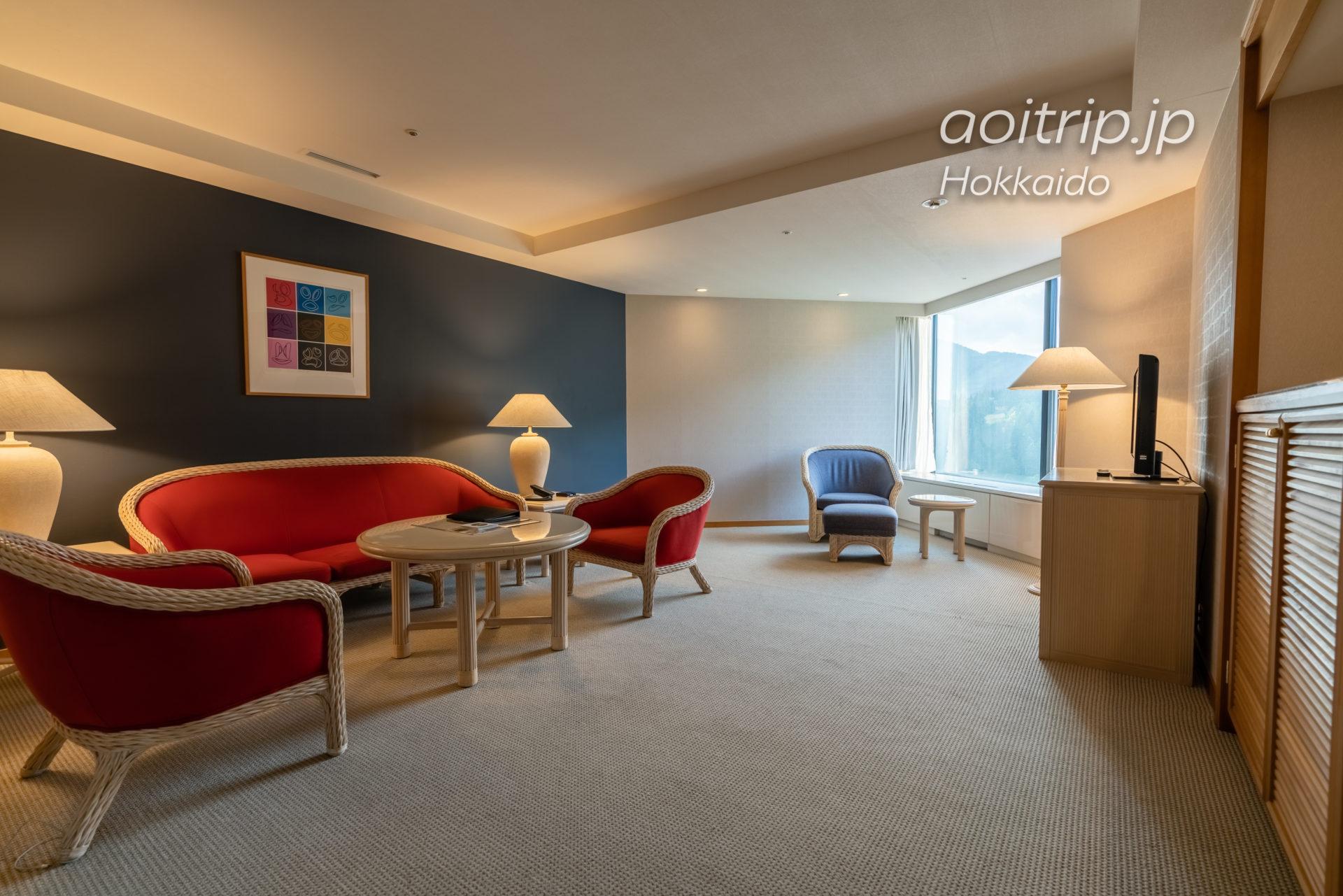 星野リゾート リゾナーレトマム 宿泊記|Hoshino Risonare Tomamu スイートツインルームのリビングルーム