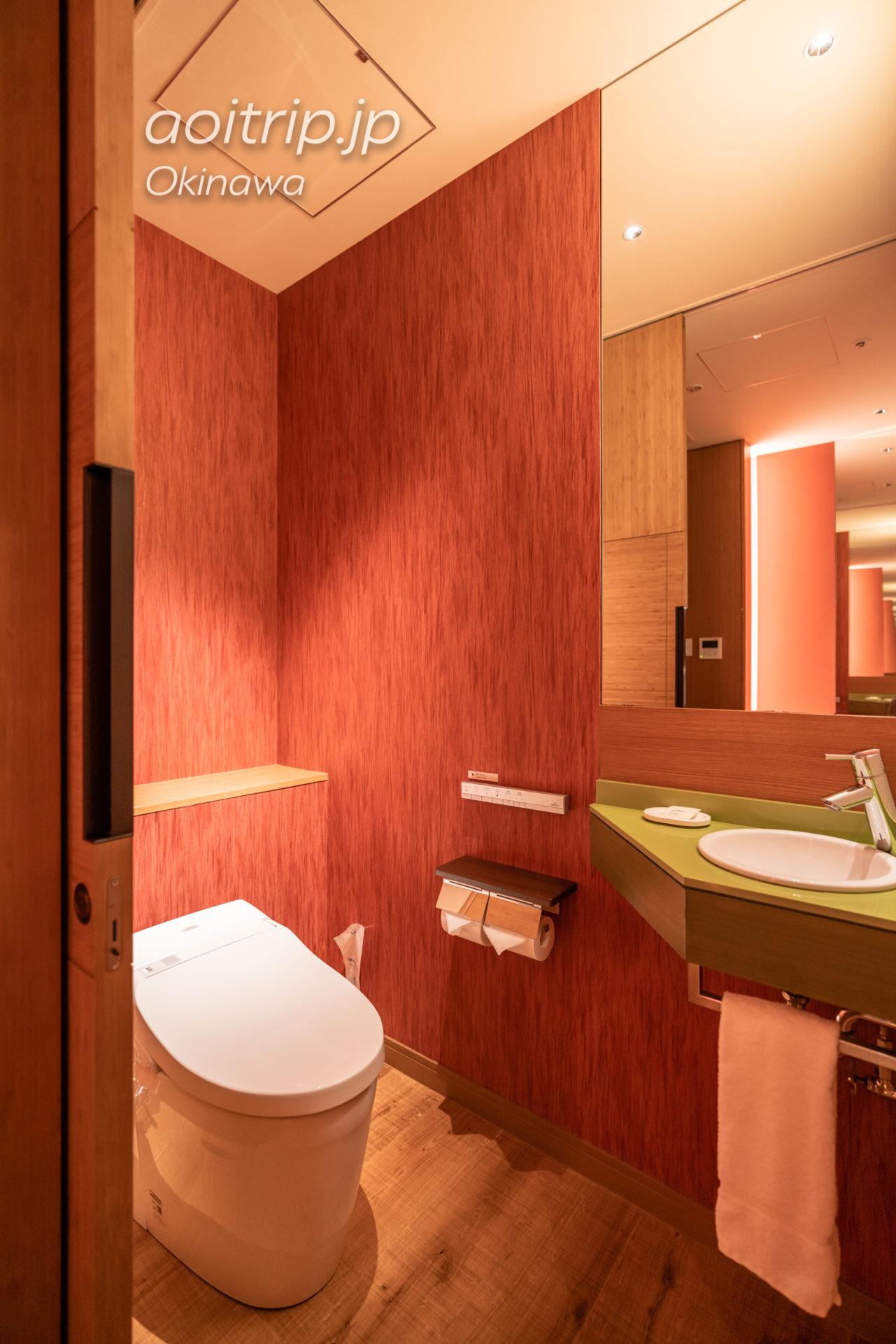 シェラトン沖縄サンマリーナ リゾート Sheraton Okinawa Sunmarina Resort プレミアム オーシャン ツイン オーシャンビュー, サウスタワー Premium Ocean Twin, Guest room トイレ