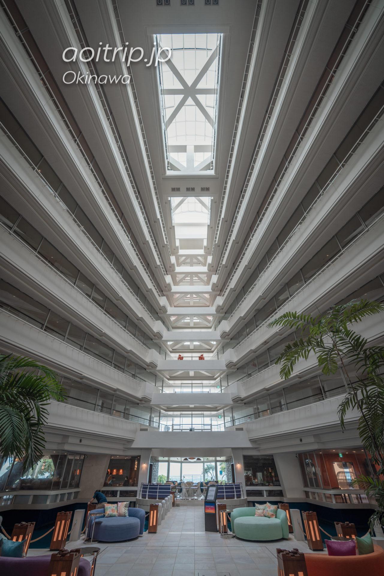 シェラトン沖縄サンマリーナ リゾートのメインタワー