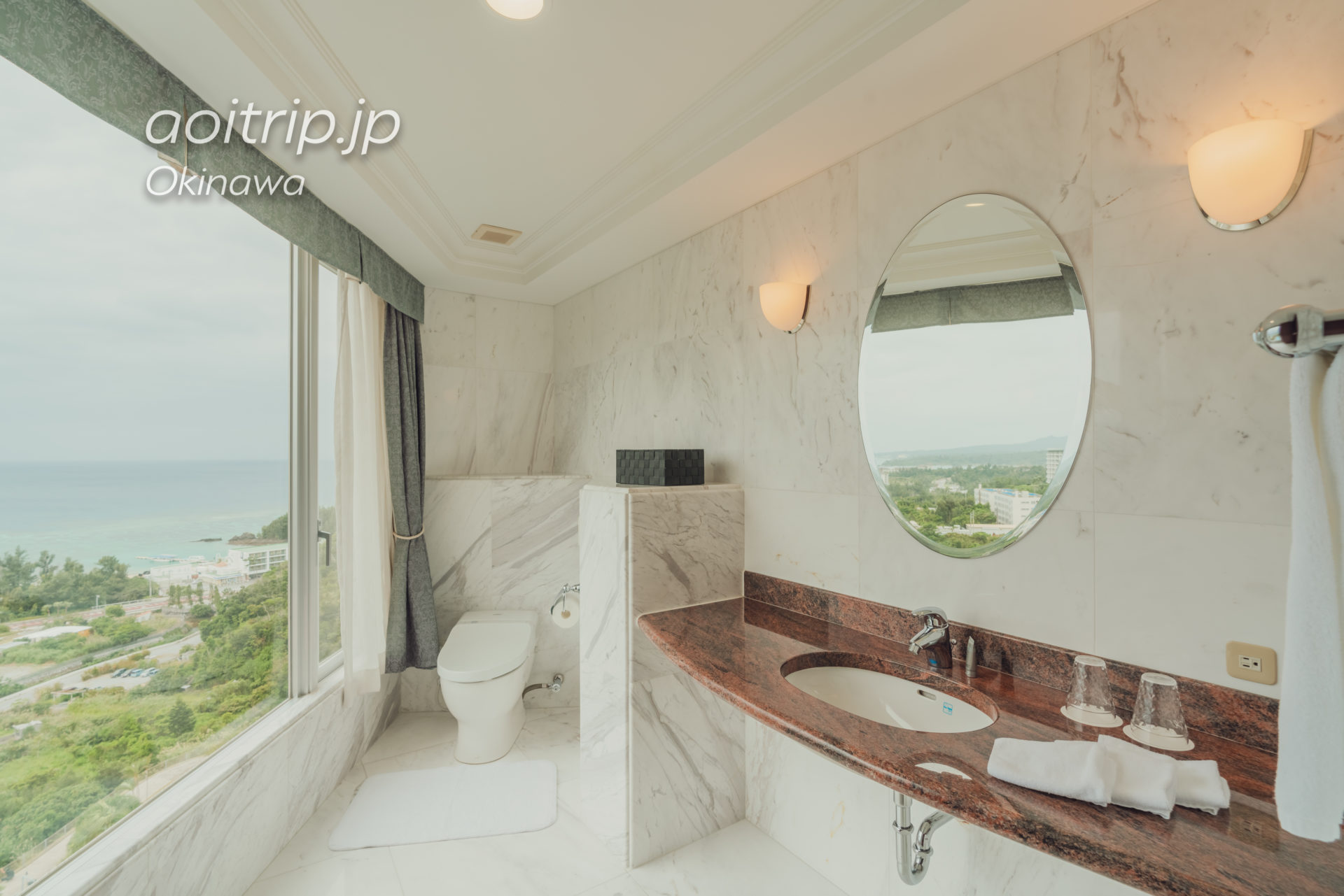 オキナワ マリオット リゾート & スパのスイートルーム トイレ