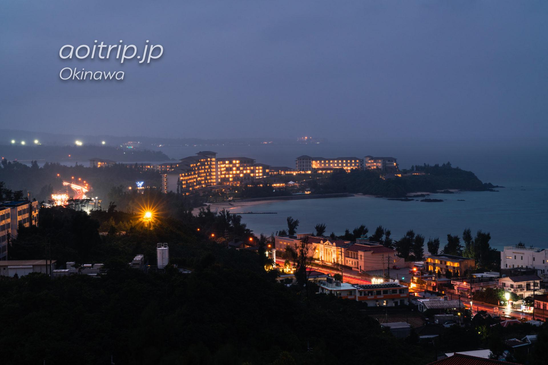 オキナワ マリオット リゾート & スパから望む夜景 ハレクラニ
