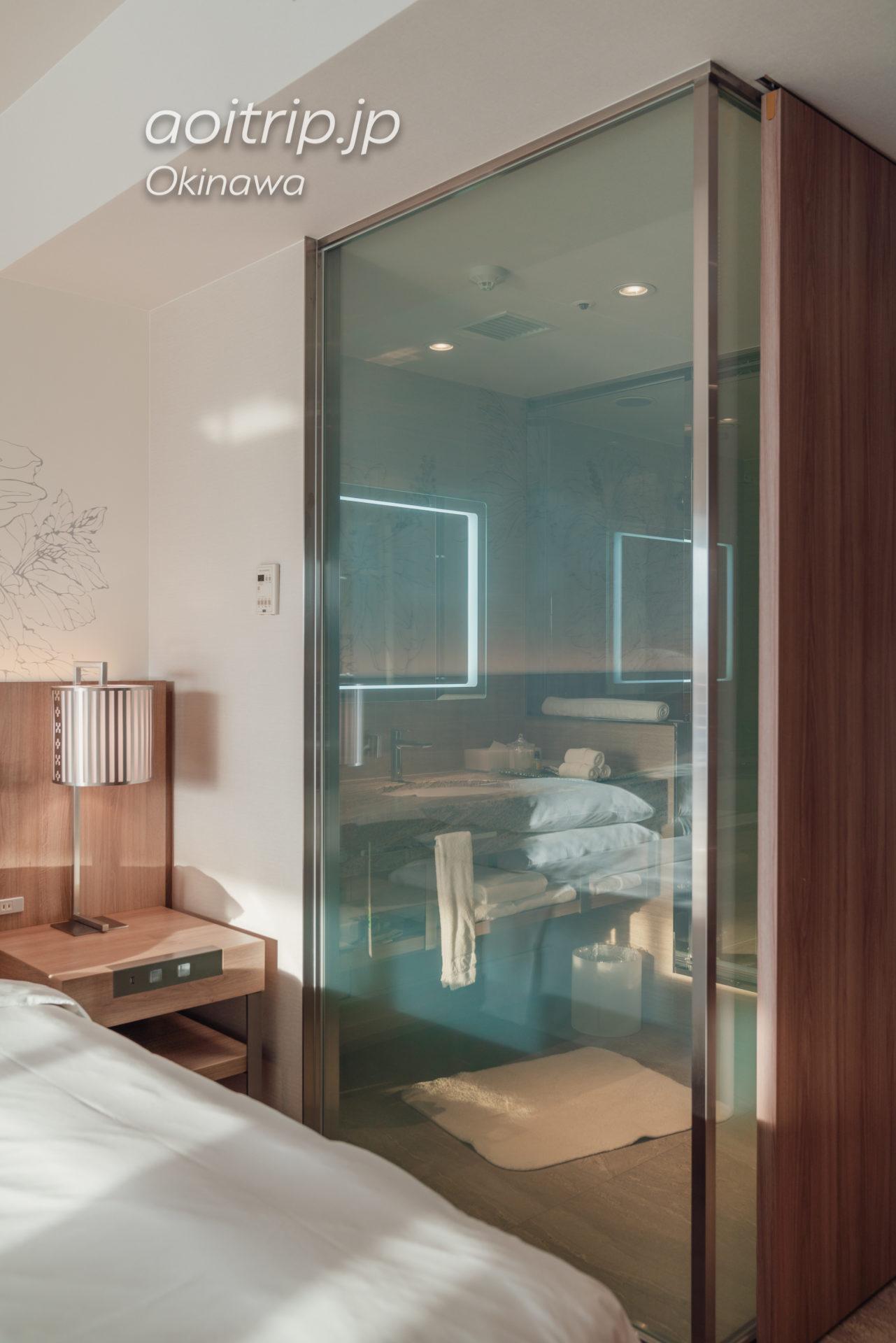 ルネッサンスリゾート オキナワのバスルーム