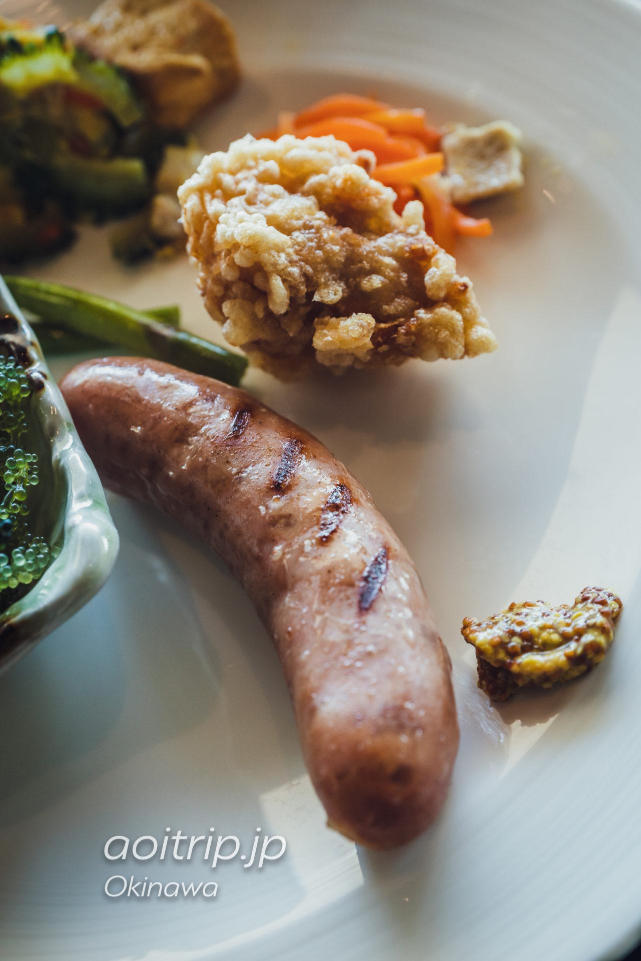リーガロイヤルグラン沖縄の朝食 しまぶたソーセージ