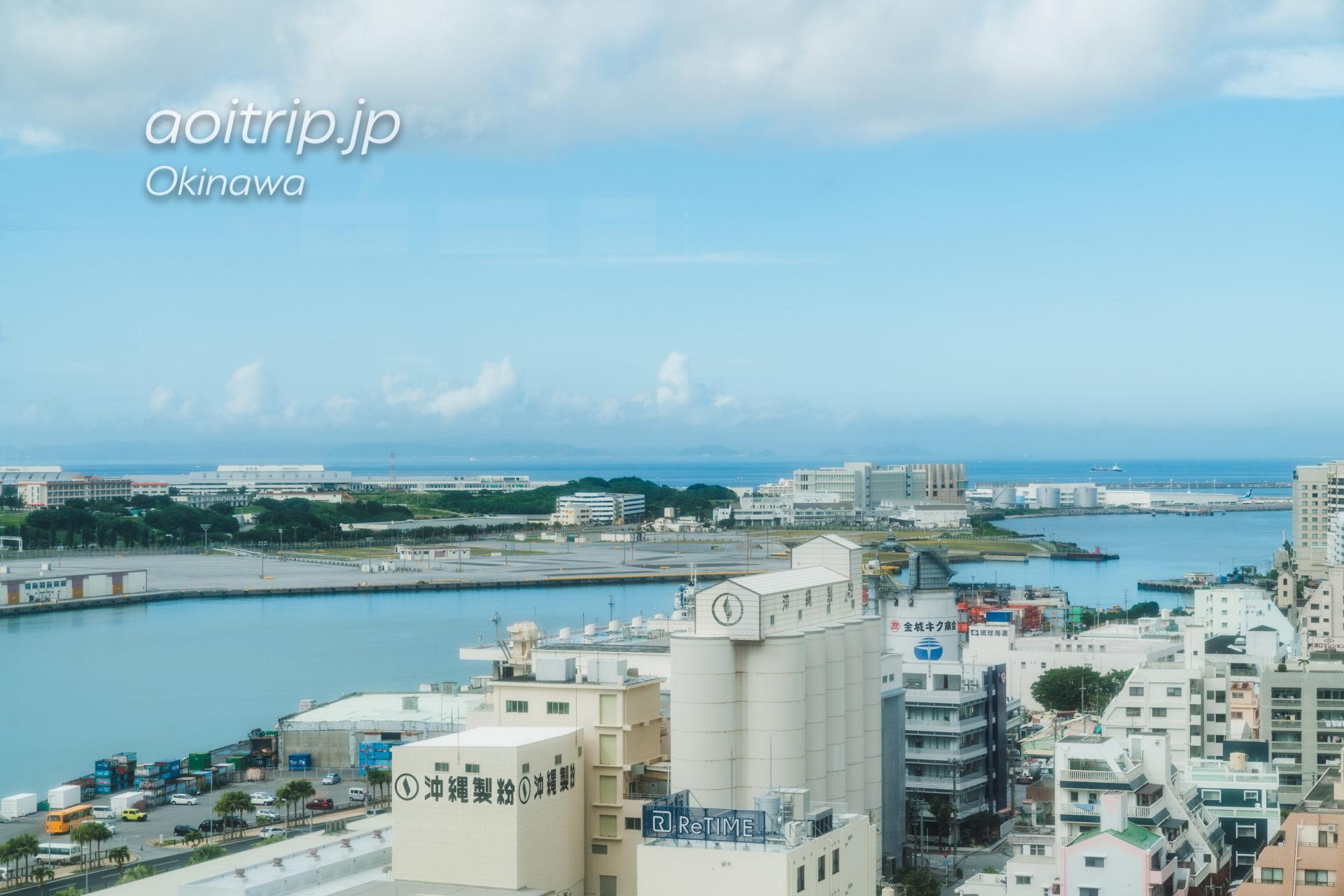 リーガロイヤルグラン沖縄から望む慶良間諸島