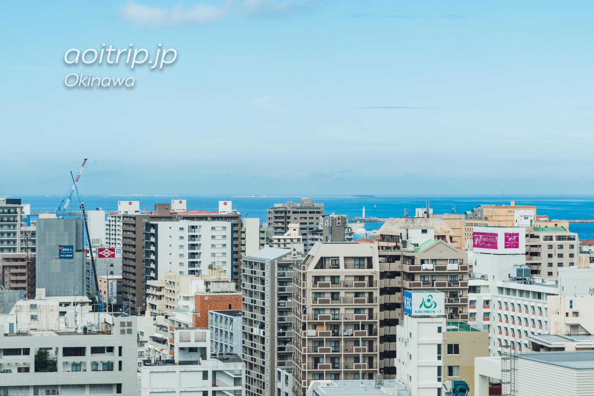 リーガロイヤルグラン沖縄から望むナガンヌ島