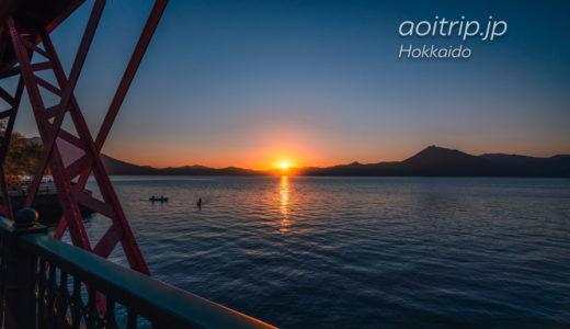 支笏湖温泉の夕日(サンセット)と恵庭岳、支笏湖に浮かぶカヌー