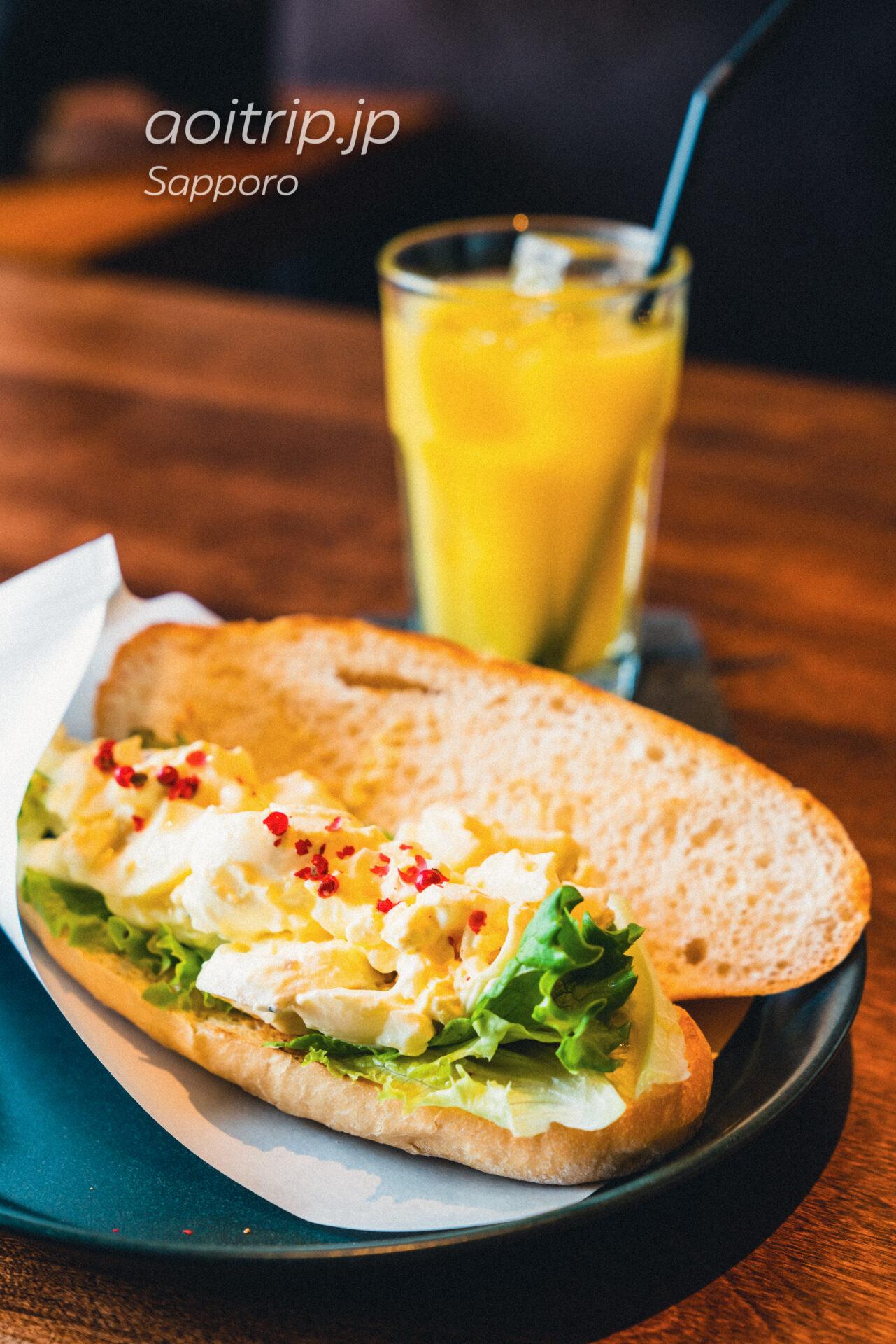 札幌のカフェ FAbULOUS(ファビュラス)ランチセット ファビュラスサンド プレミアムエッグ