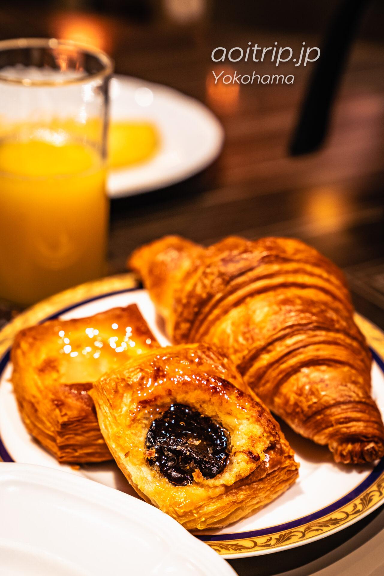 横浜ベイシェラトン ホテル&タワーズ 宿泊記|Yokohama Bay Sheraton Hotel & Towers 朝食ビュッフェのパン・デニッシュ
