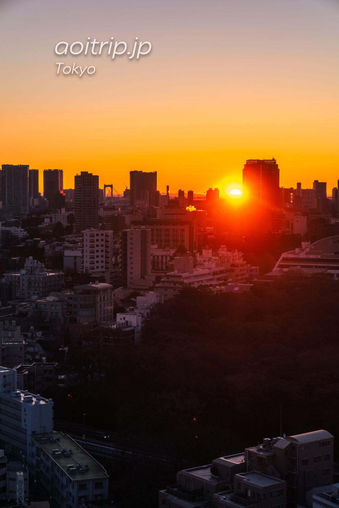 ウェスティン東京 スイートルーム客室から朝日を望む