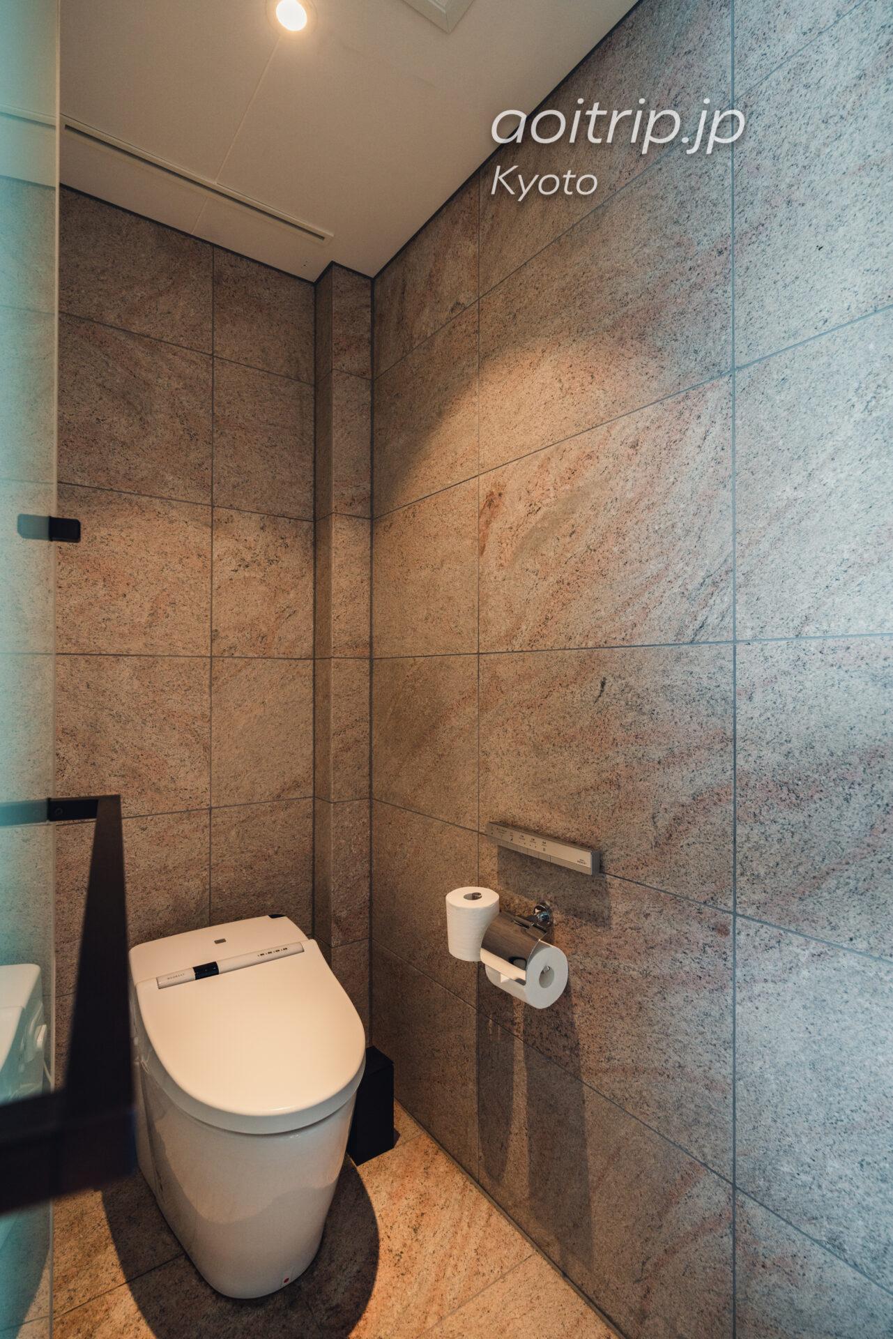 翠嵐(すいらん)プレジデンシャルコーナースイート SUIRAN 1 Bedroom Presidential Suite, 1 King, Hozu River view, Mountain view, Corner room トイレ