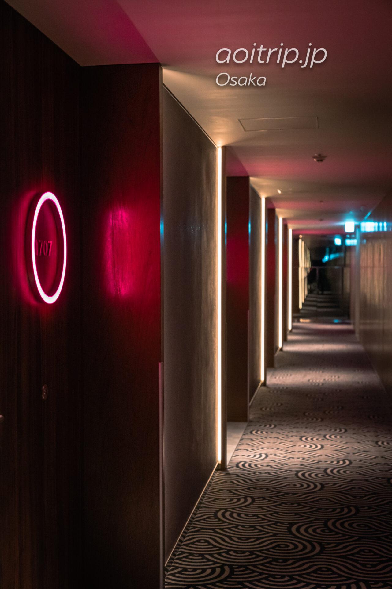 W大阪の内廊下