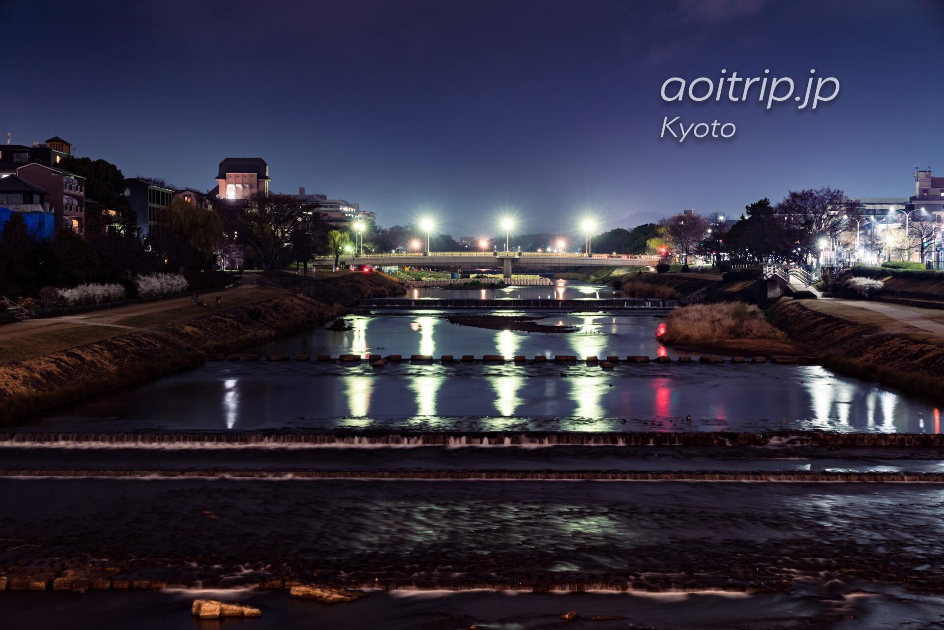 京都 二条大橋から望む鴨川の夜景