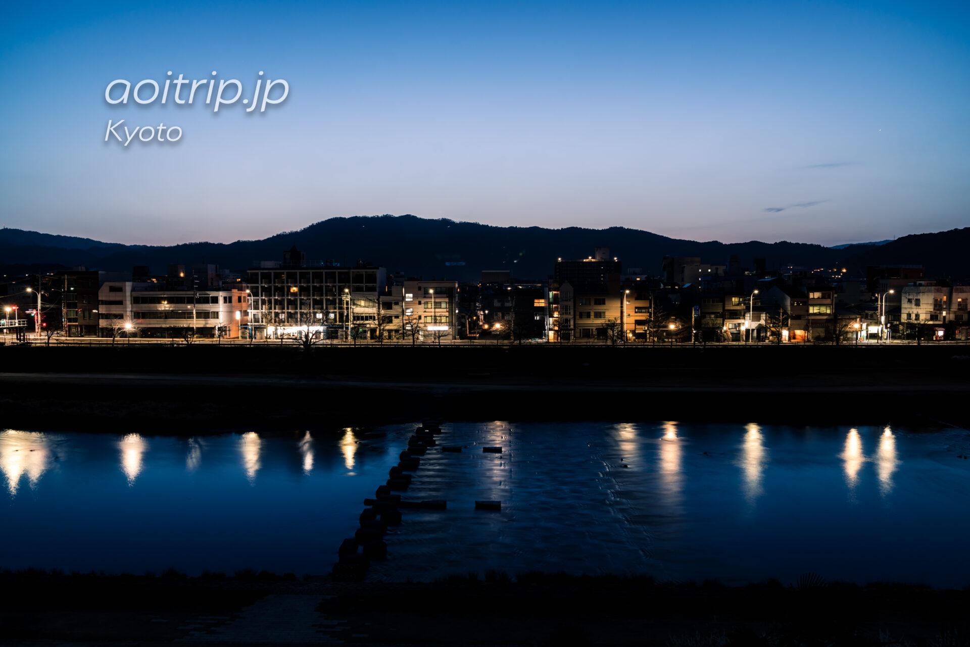 ザ リッツカールトン京都から望む鴨川と東山三十六峰 夜明け前