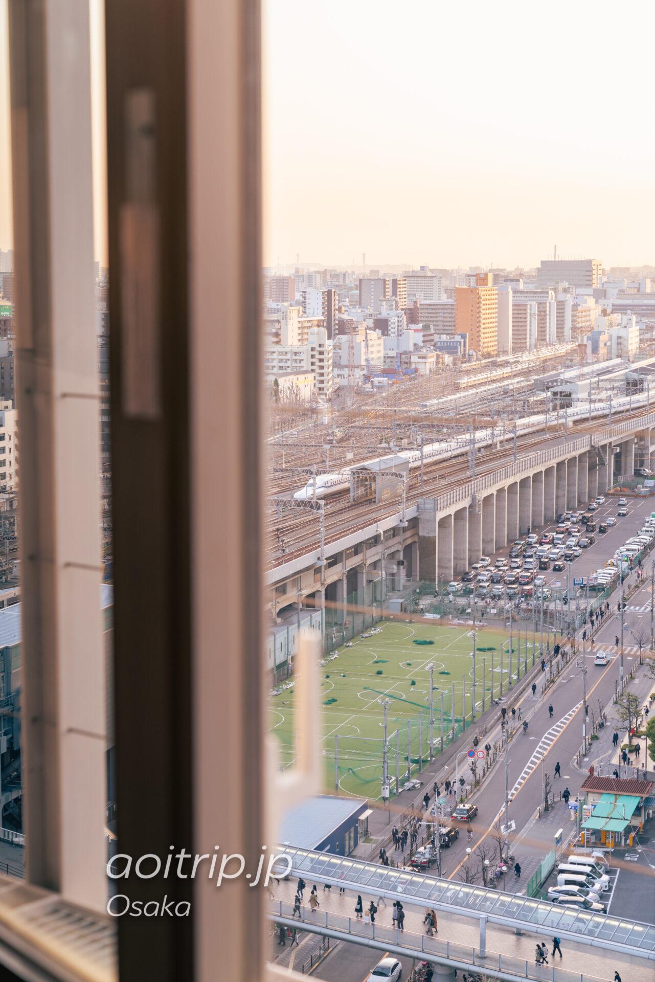 コートヤード バイ マリオット新大阪ステーション Courtyard Shin Osaka Station 19Fのクラブラウンジからの眺望 新幹線