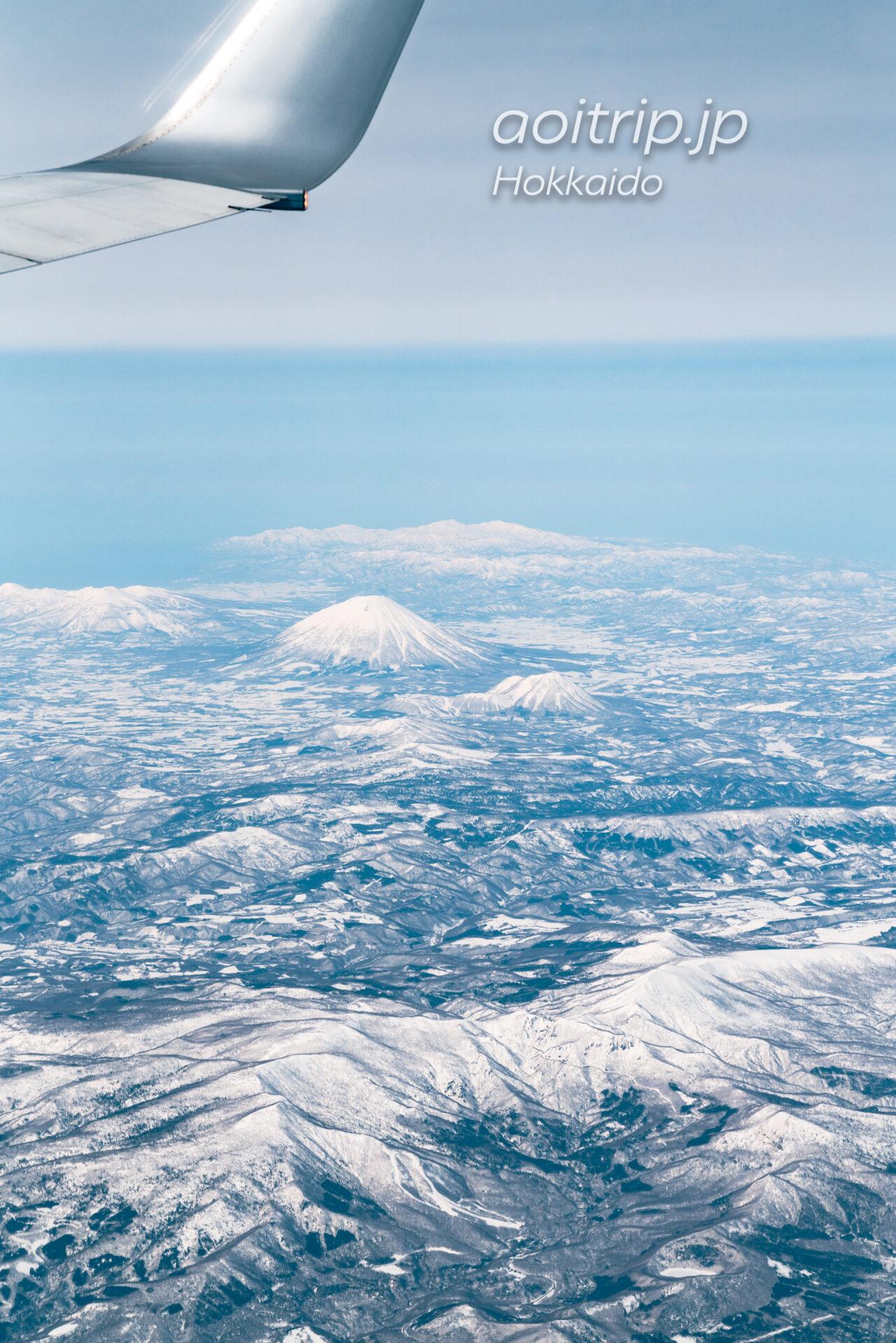北海道の航空写真 飛行機の窓から 3月 支笏洞爺国立公園の眺望 羊蹄山